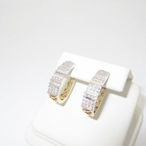 10K Solid Gold .26 ctw Natural Diamond Hoop Pierce